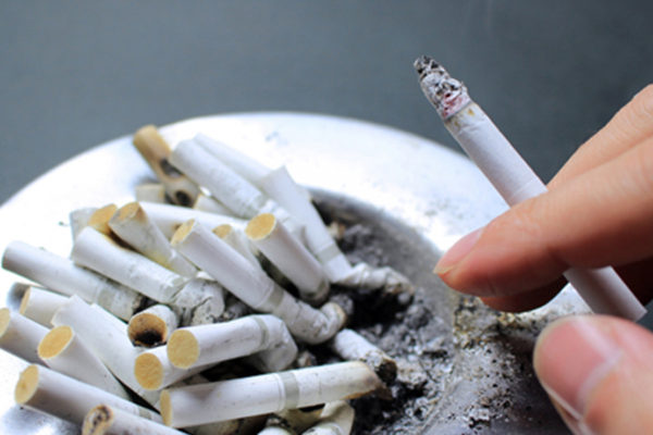 タバコとAGE